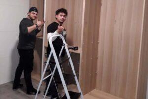 mozos montando closet