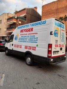 furgoneta para mduanzas pequeñas en barcelona