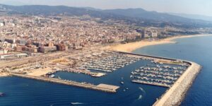 Disfrutar de la playa con las mudanzas en Barcelona Heysser
